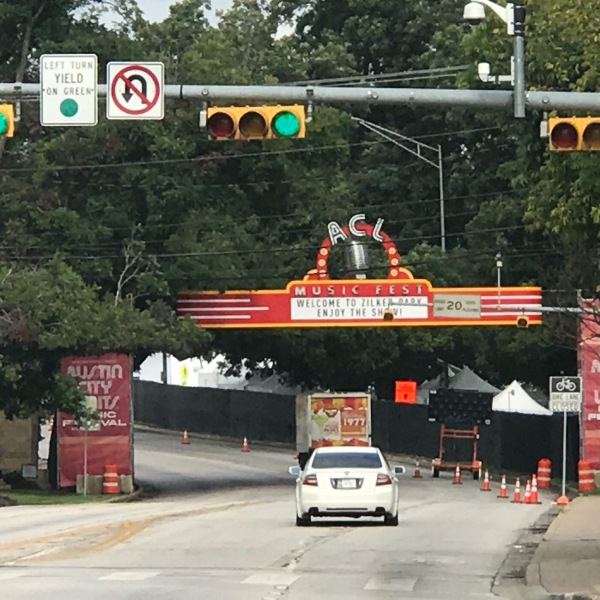 New banner over Barton Springs Rd for ACL (Martinez_2017)_556897