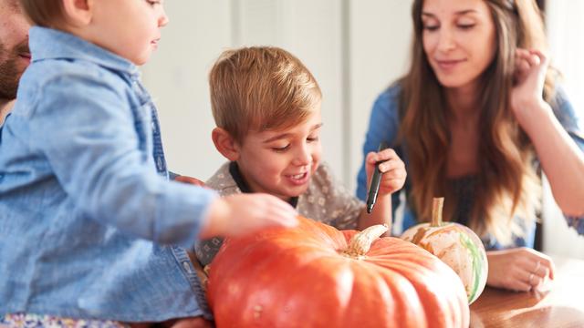 pumpkin2520carving_1507661808080_307020_ver1-0_27615296_ver1-0_640_360_561804