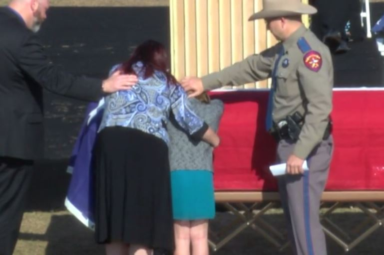 Family mourns Trooper Damon Allen_590724
