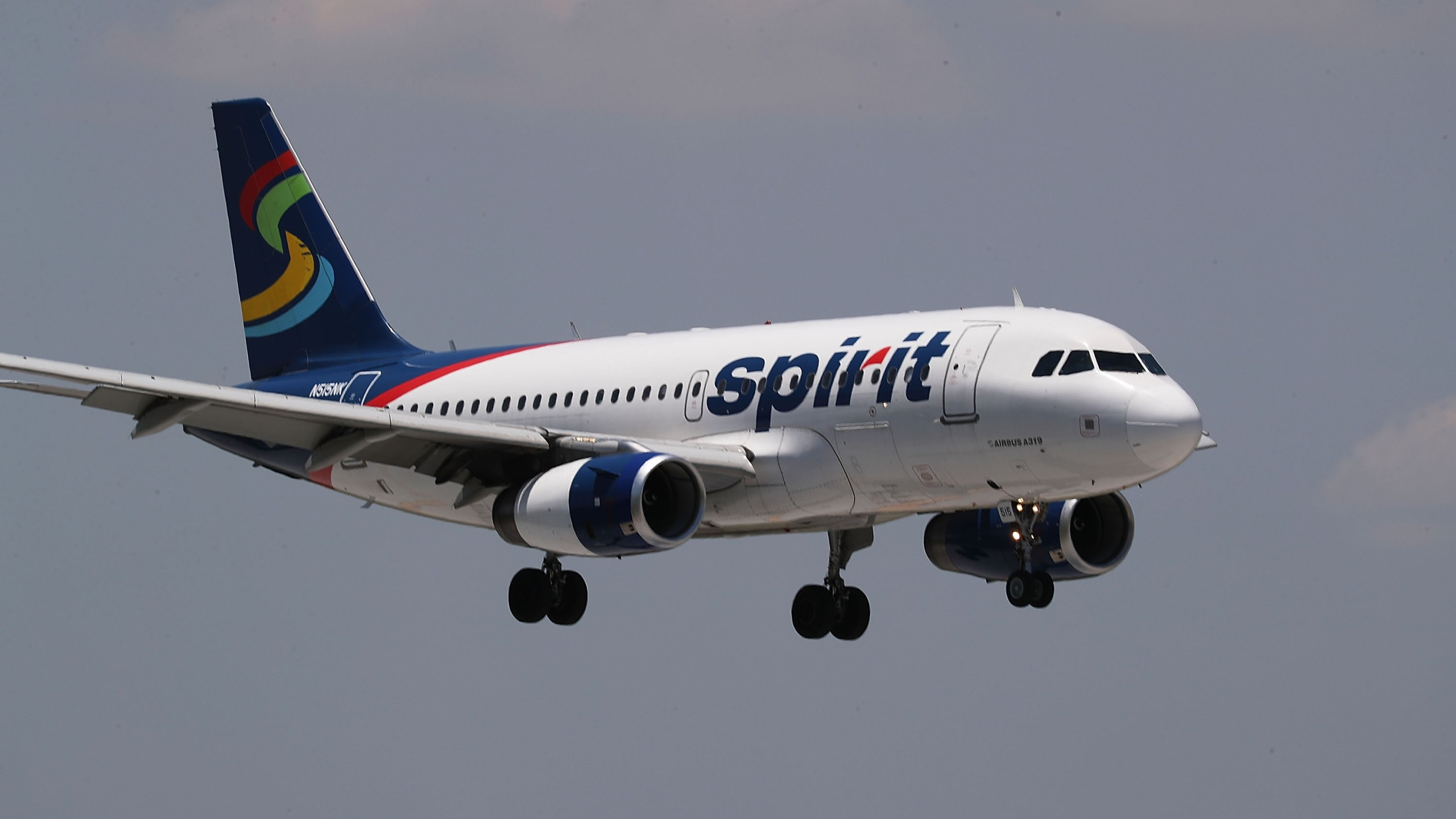 Spirit Airlines Cancels Hundreds Of Flights Amidst Company Turmoil_609838