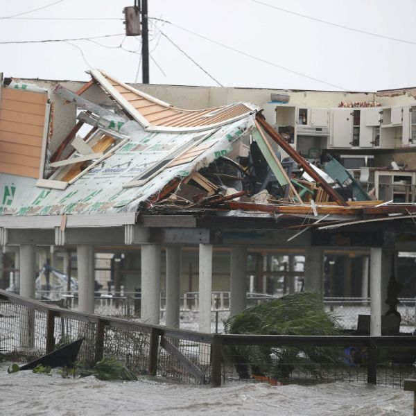 Hurricane Harvey Slams Into Texas Gulf Coast_533055