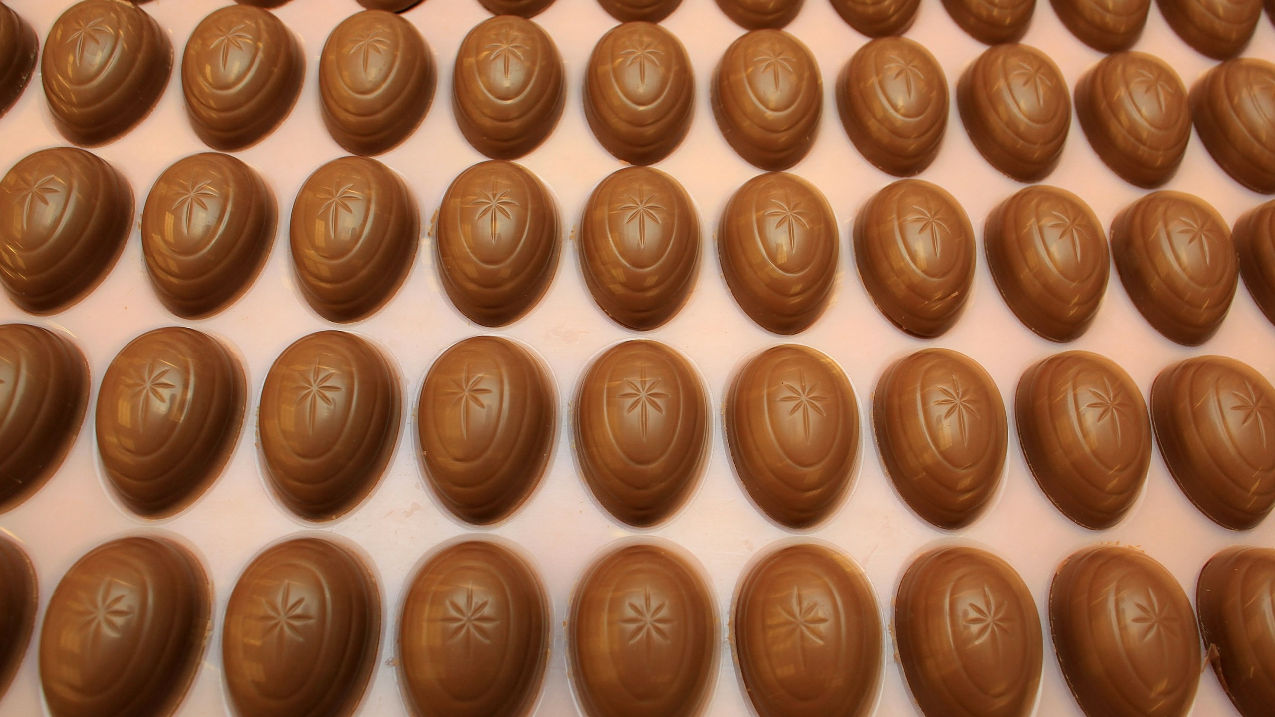 Chocolate Production Continues At Cadbury During Hostile Takeover Bids_607434