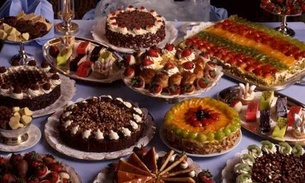 holiday-dessert-cakes-tortes-valentines-day-treat_1517004750799_336935_ver1-0_32742407_ver1-0_640_360_623590