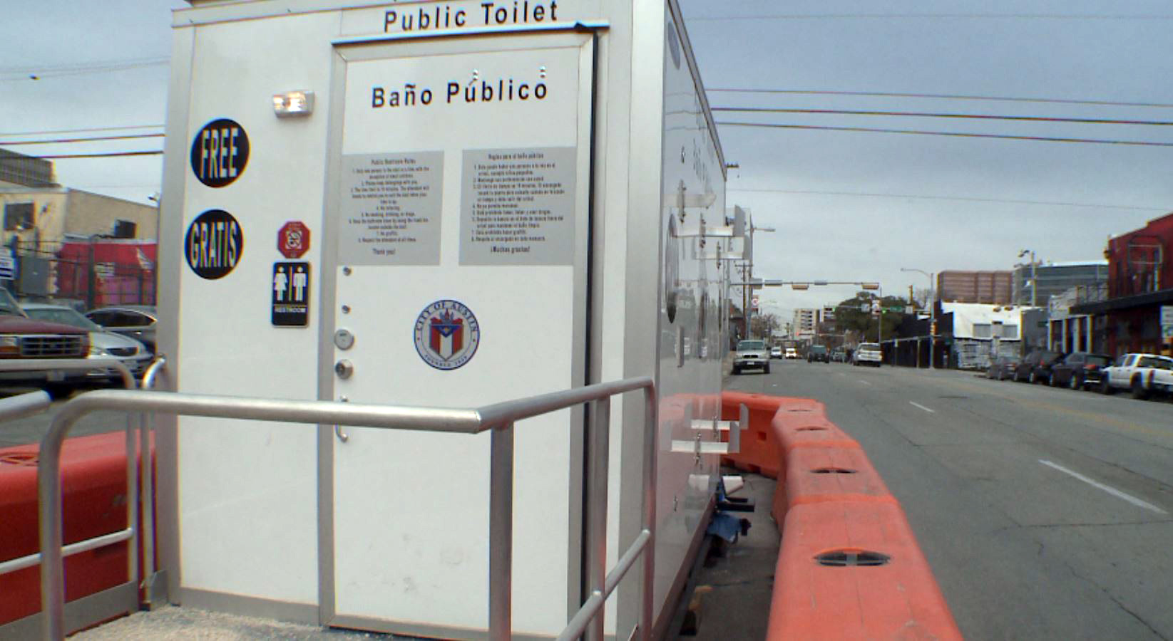 austin public toilet restroom_618326