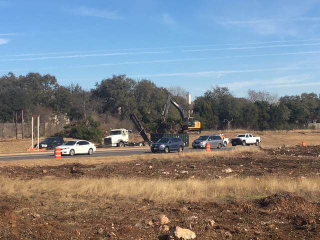 Crews removing trees on South MoPac_622410