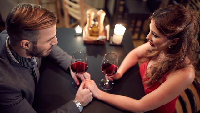 valentines-day-dinner-wine-happy-couple-romantic-love_1515533287088_329966_ver1-0_31347627_ver1-0_640_360_612625