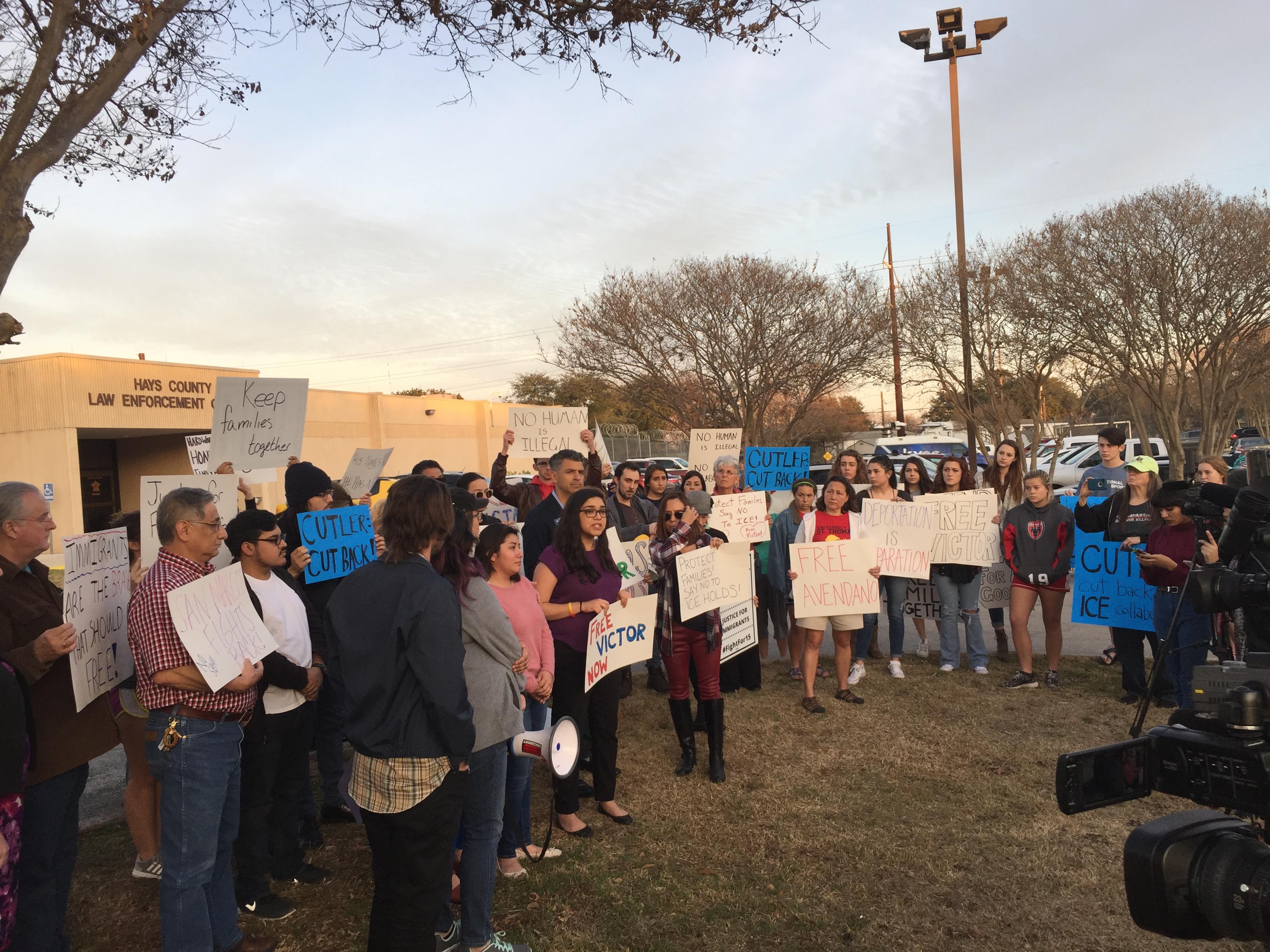 Families, friends and advocacy groups rally for Victor Alejandro Avendano-Ramirez on Jan. 31, 2018. (KXAN Photo/Sean Farrar)