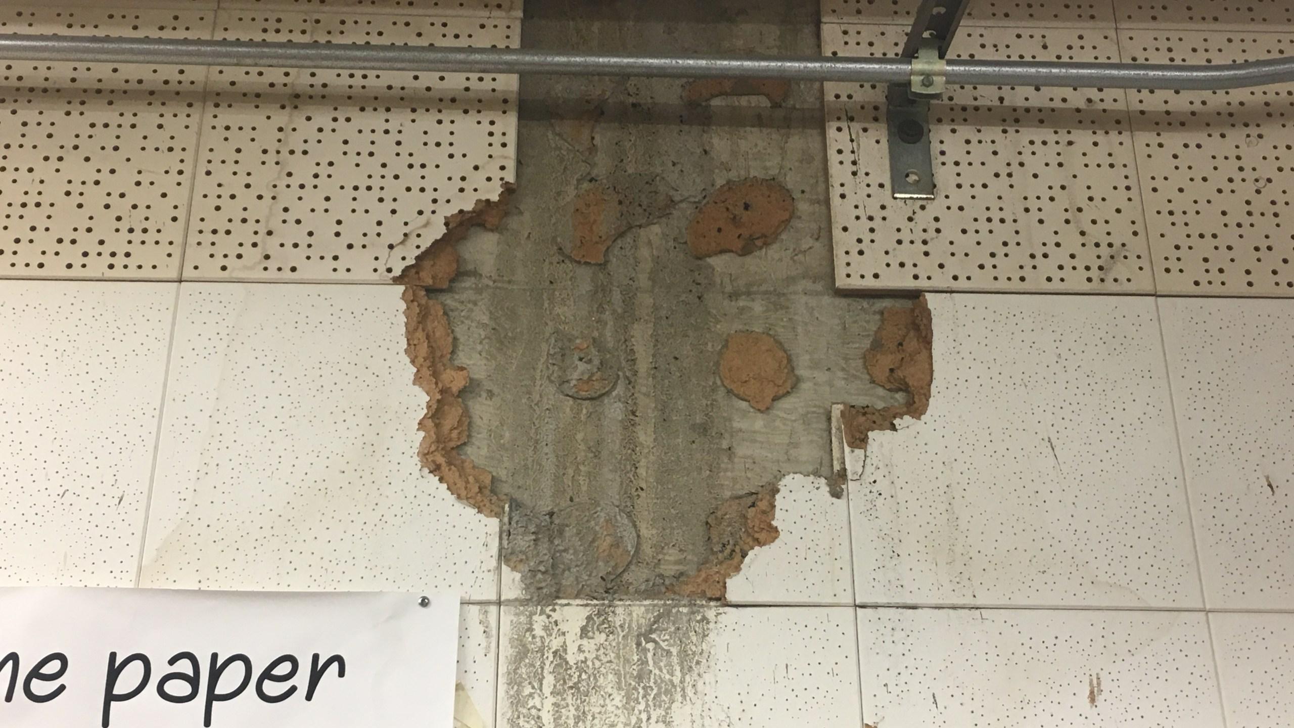 Asbestos Municipal Court Wall_608335