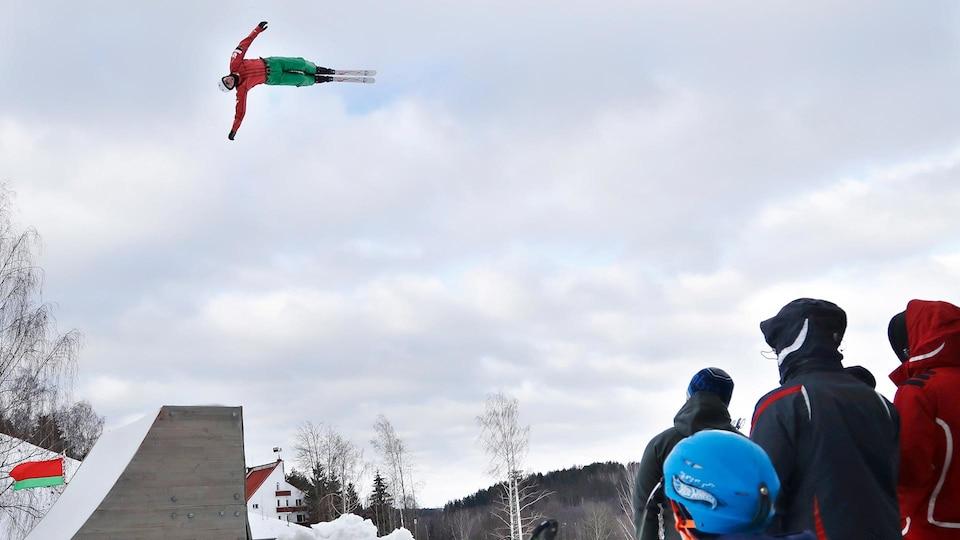 belarus_aerial_skier_ap18038539959517_1920_631749