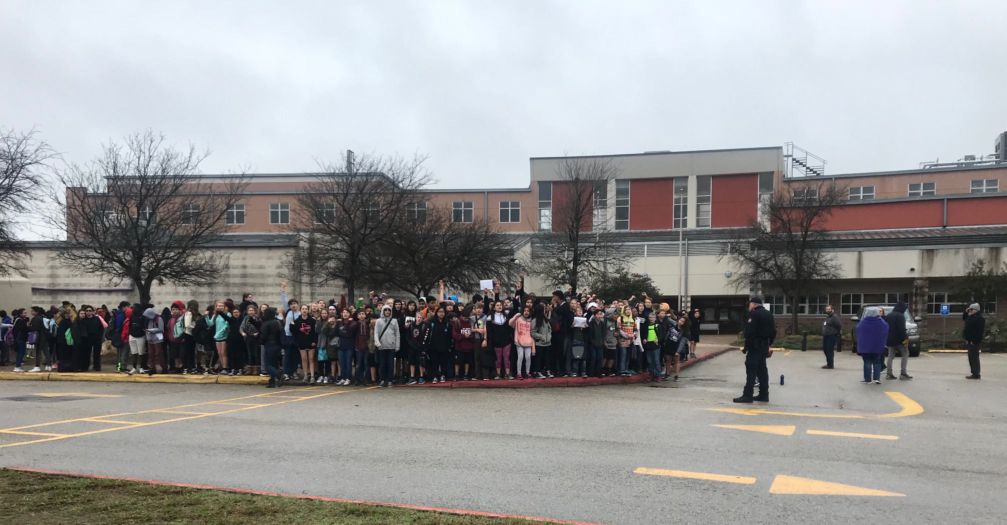 Students at Austin ISD's Clint Small Middle School protesting gun violence in schools. (KXAN Photo/Frank Martinez)