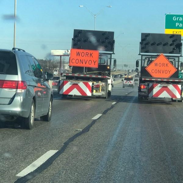 TxDOT truck treating roads for ice on I-35 on Jan. 14, 2018_615242