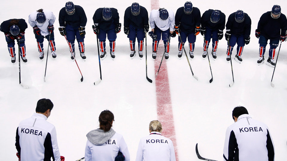 korea_womens_hockey_team_631695