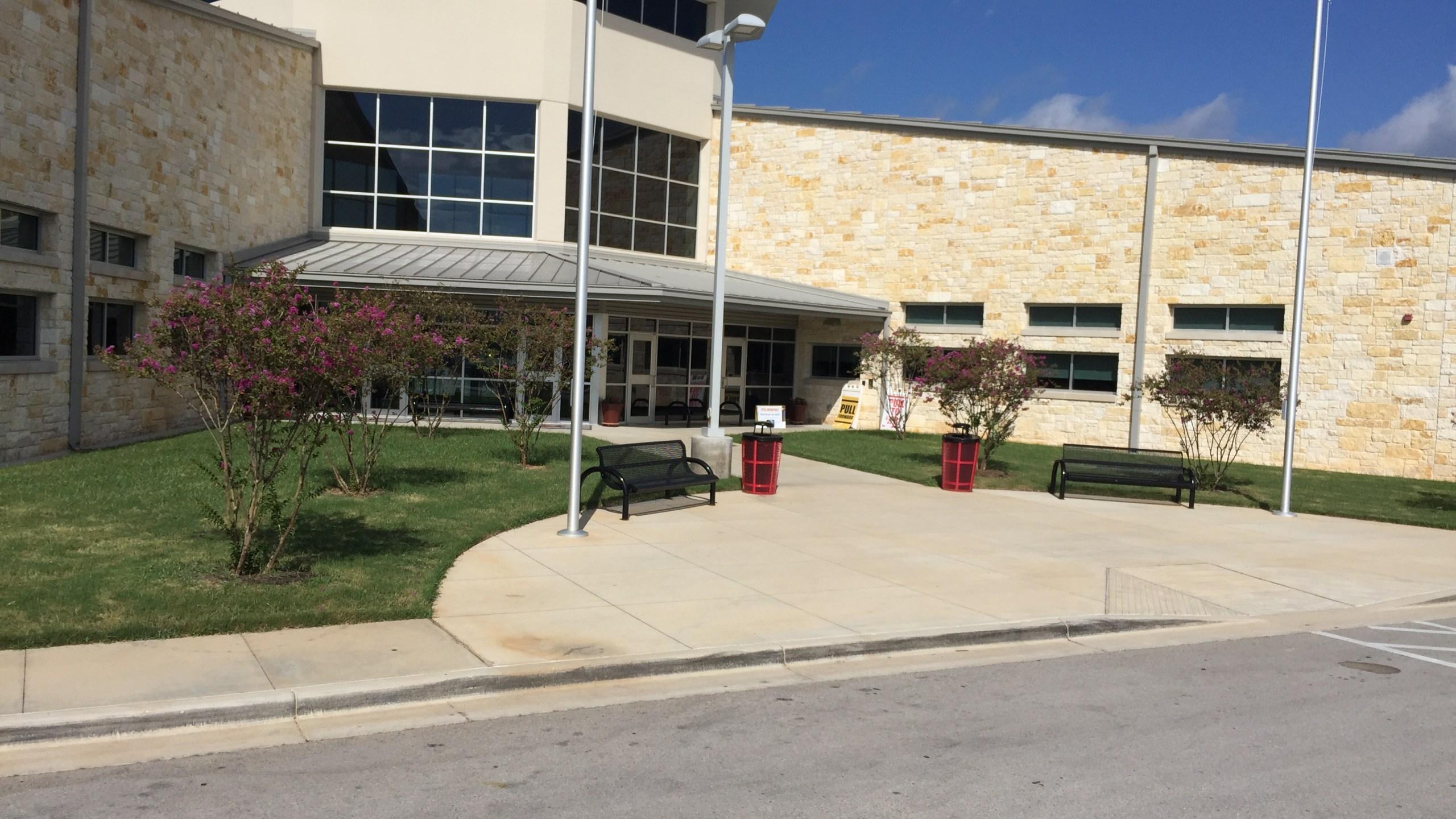 Lake Travis Middle School_526725