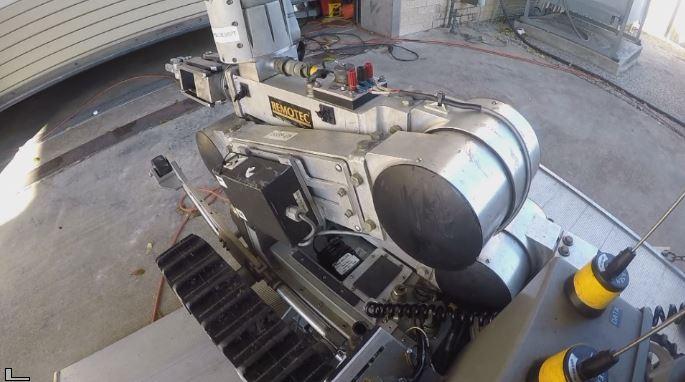 apd-bomb-robot (1)_1520340450776.jpg.jpg