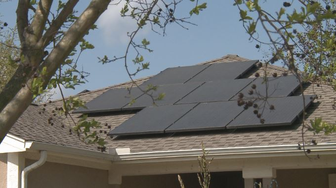Central Texas city wants to pay people to install solar panels