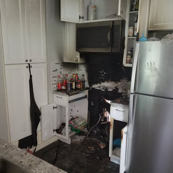 kitchen fire_1523136813075.jpg.jpg
