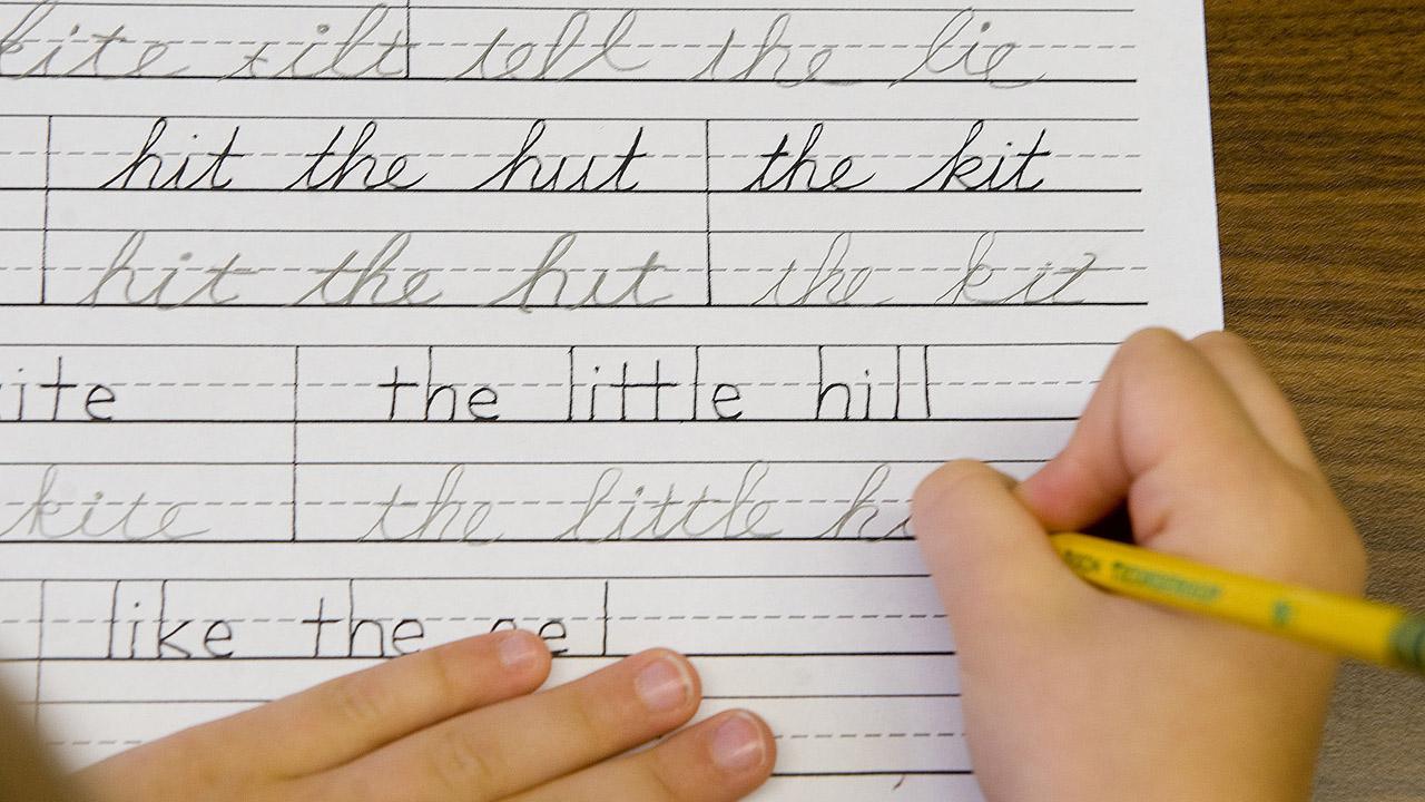 cursive-handwriting_251133-873772846