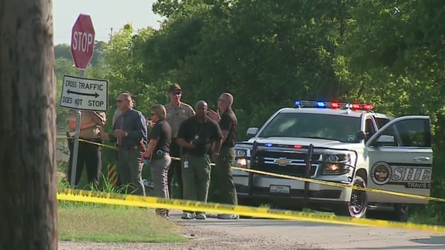 Man's body found in southeastern Travis County