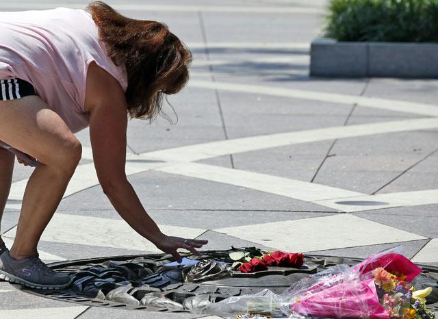 Dallas police ambush memorial_309723