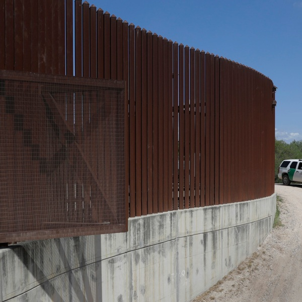 Border Wall Texas_1539114174602