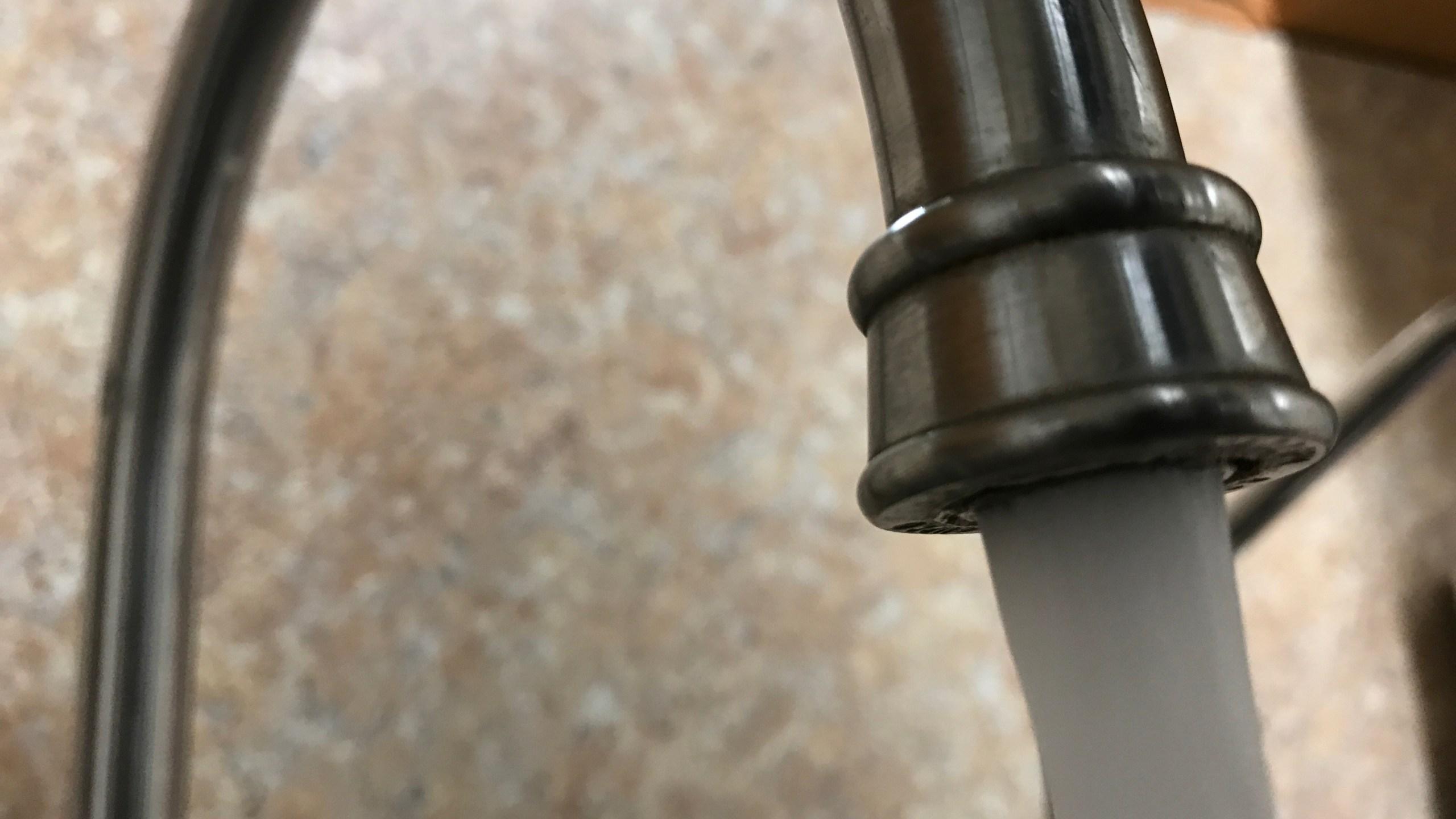 sink water_faucet