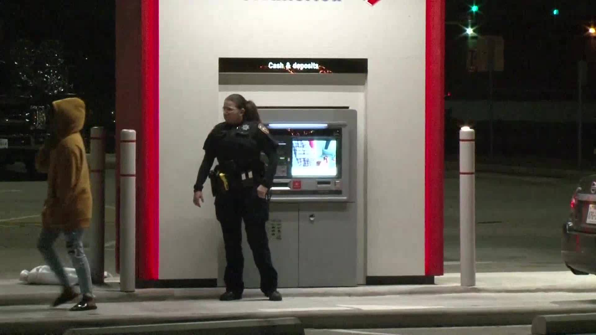 Houston ATM malfunctions, spits out $100 bills instead of