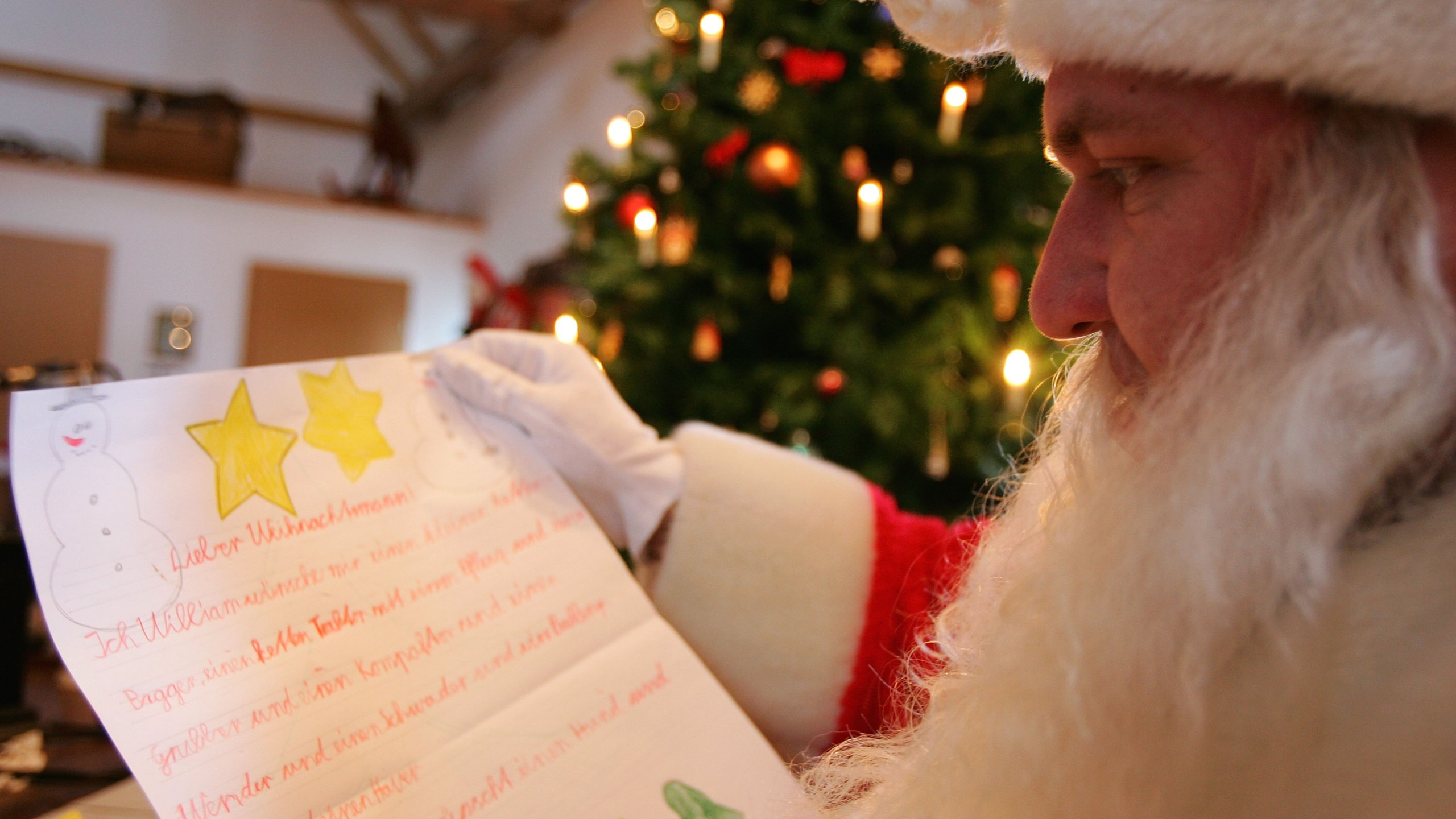 Usps Hours Christmas Eve.Become An Elf For Usps And Help Santa Write Letters To Children