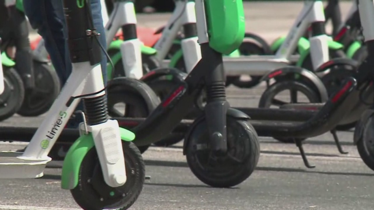 Dockless_scooters_could_become_a_big_haz_1_20181005234059