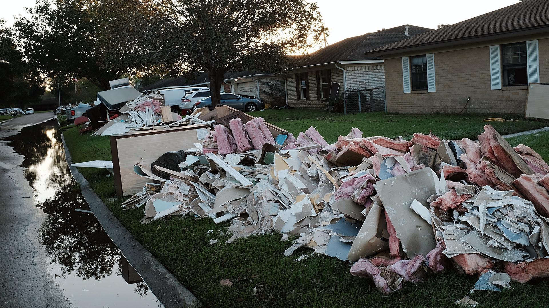 Hurricane Harvey debris-159532-159532.jpg44673583