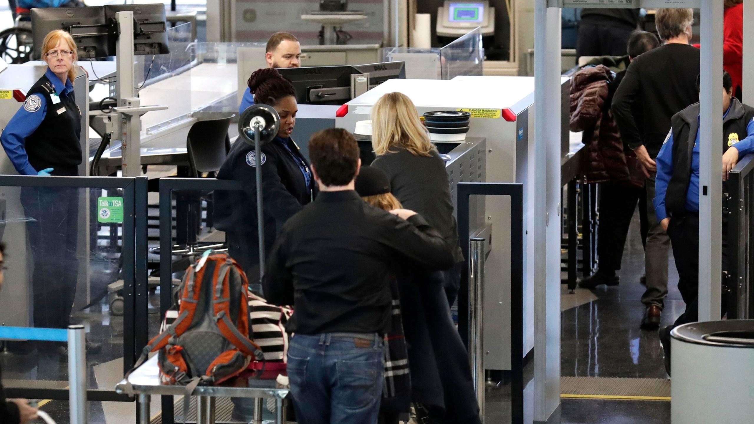 Government Shutdown Airports_1548099585409