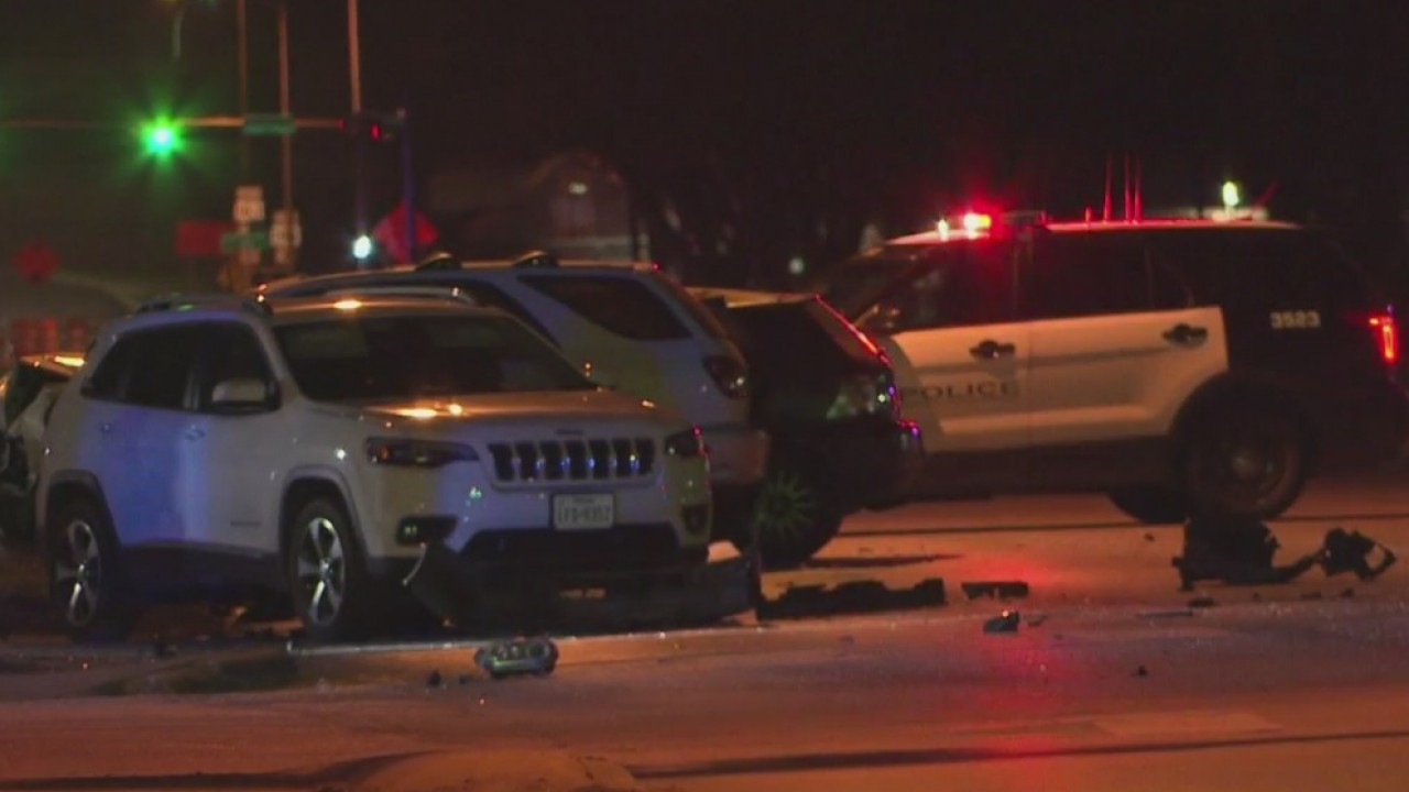 1 dead, 3 hurt in multi-vehicle crash in east Austin Wednesday