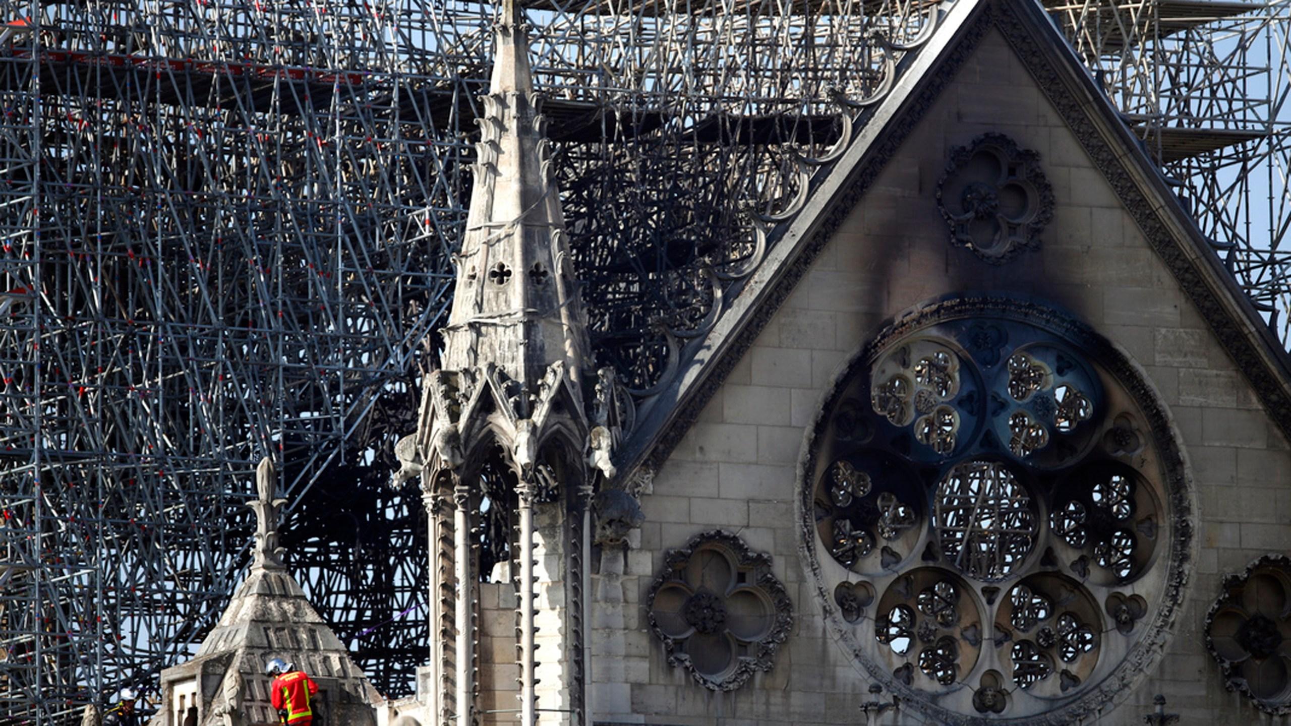APTOPIX France Notre Dame Fire_1555611526424