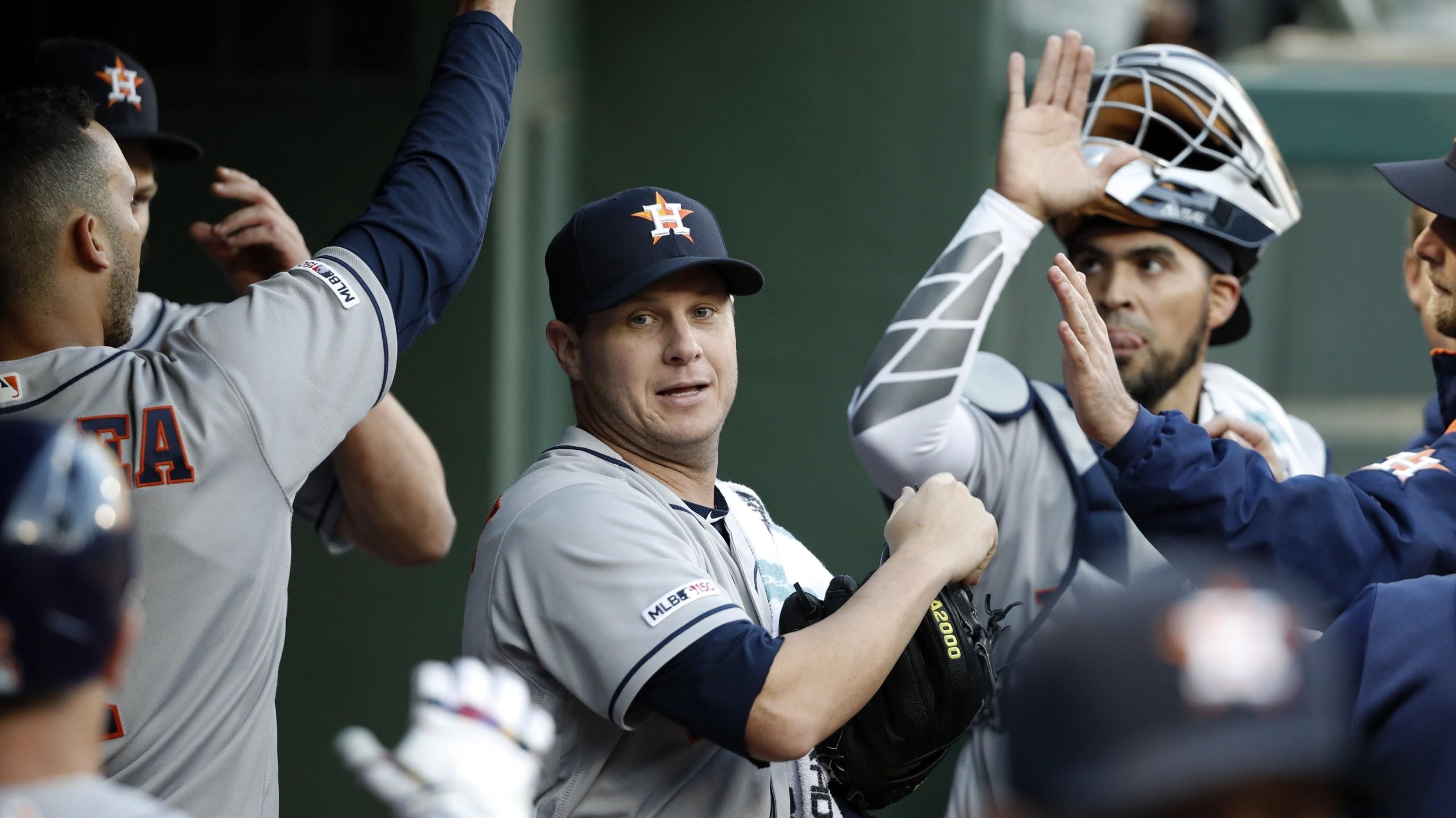 Astros beat Rangers Brad Peacock