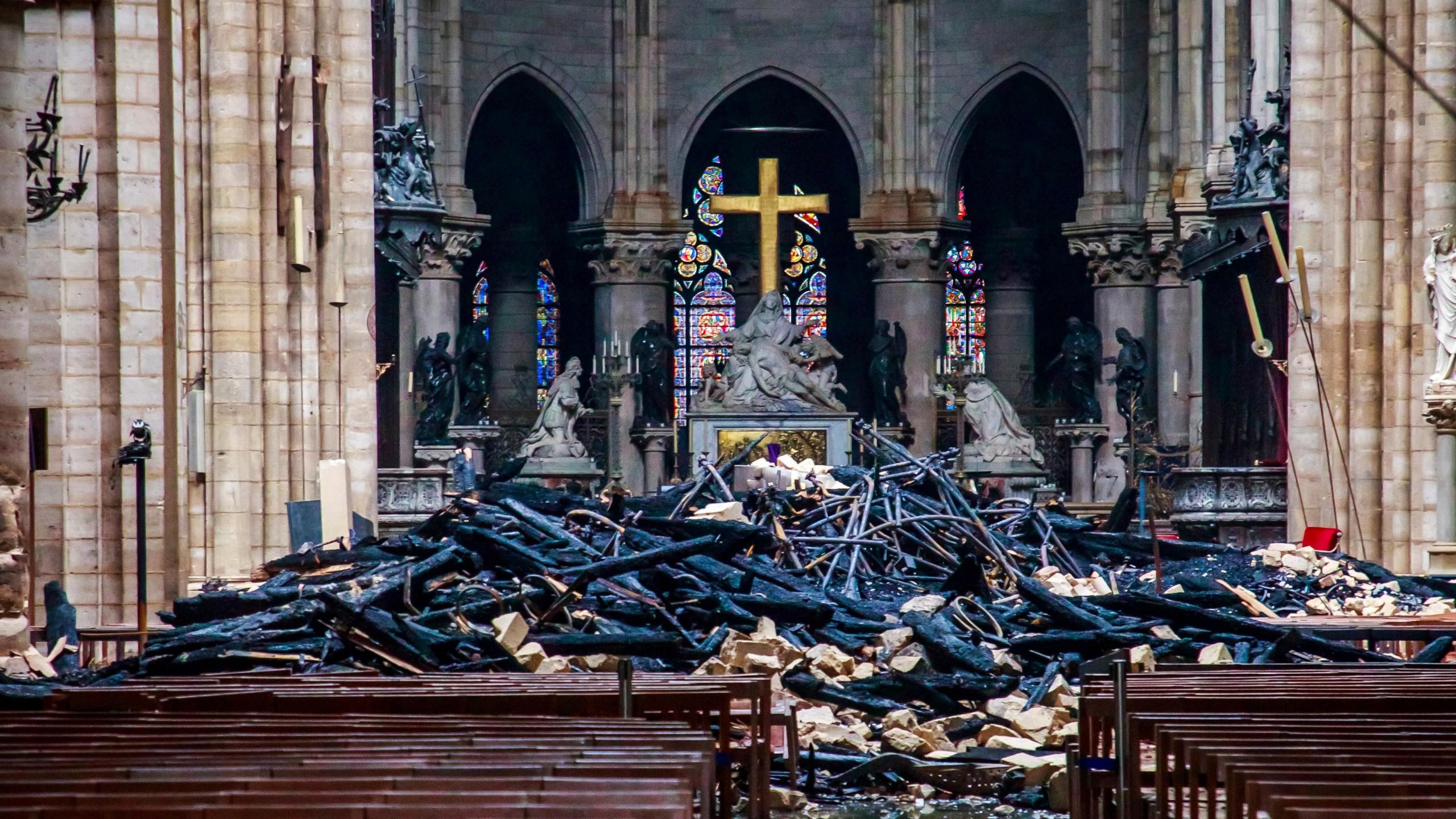 APTOPIX France Notre Dame Fire_1555498442855