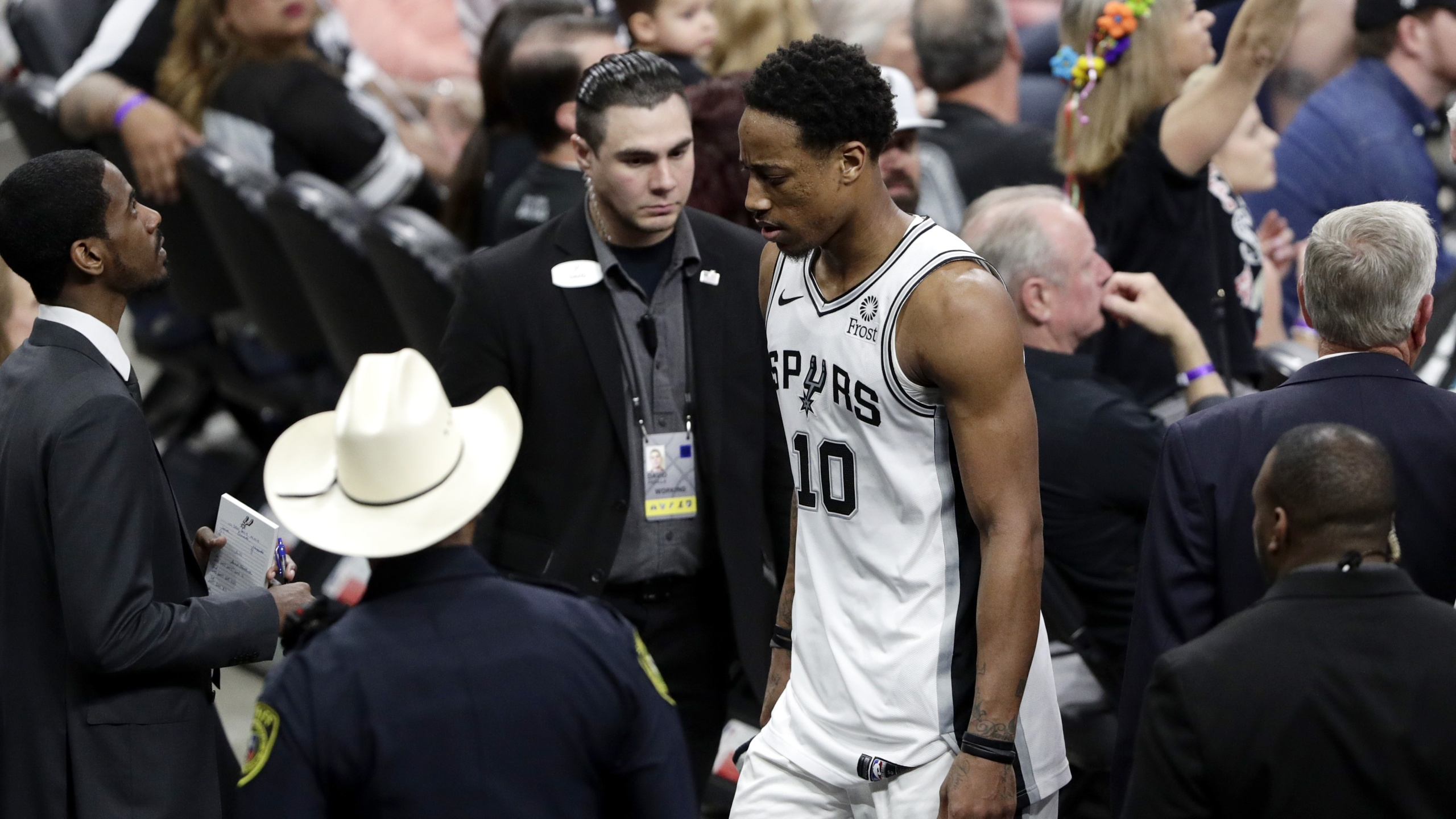 Demar Derozan ejected gm4 spurs-nuggets