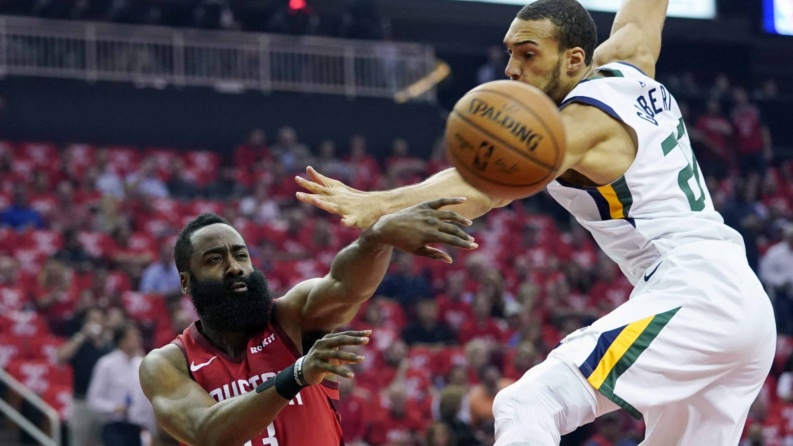 Rockets advance over Jazz 2019