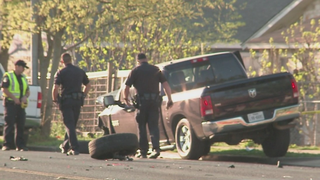 A 5-year-old girl was is in critical condition with life-threatening injuries Thursday morning after a hit-and-run wreck in south Austin.