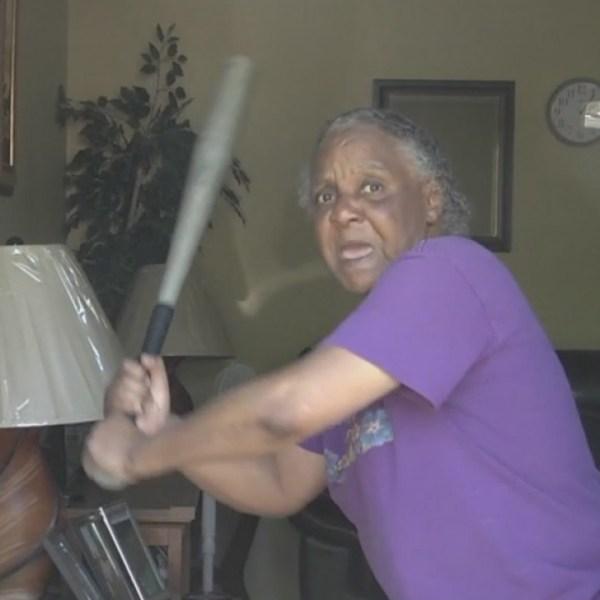 Grandma_fends_off_burglar_with_bat_10_20190417114420