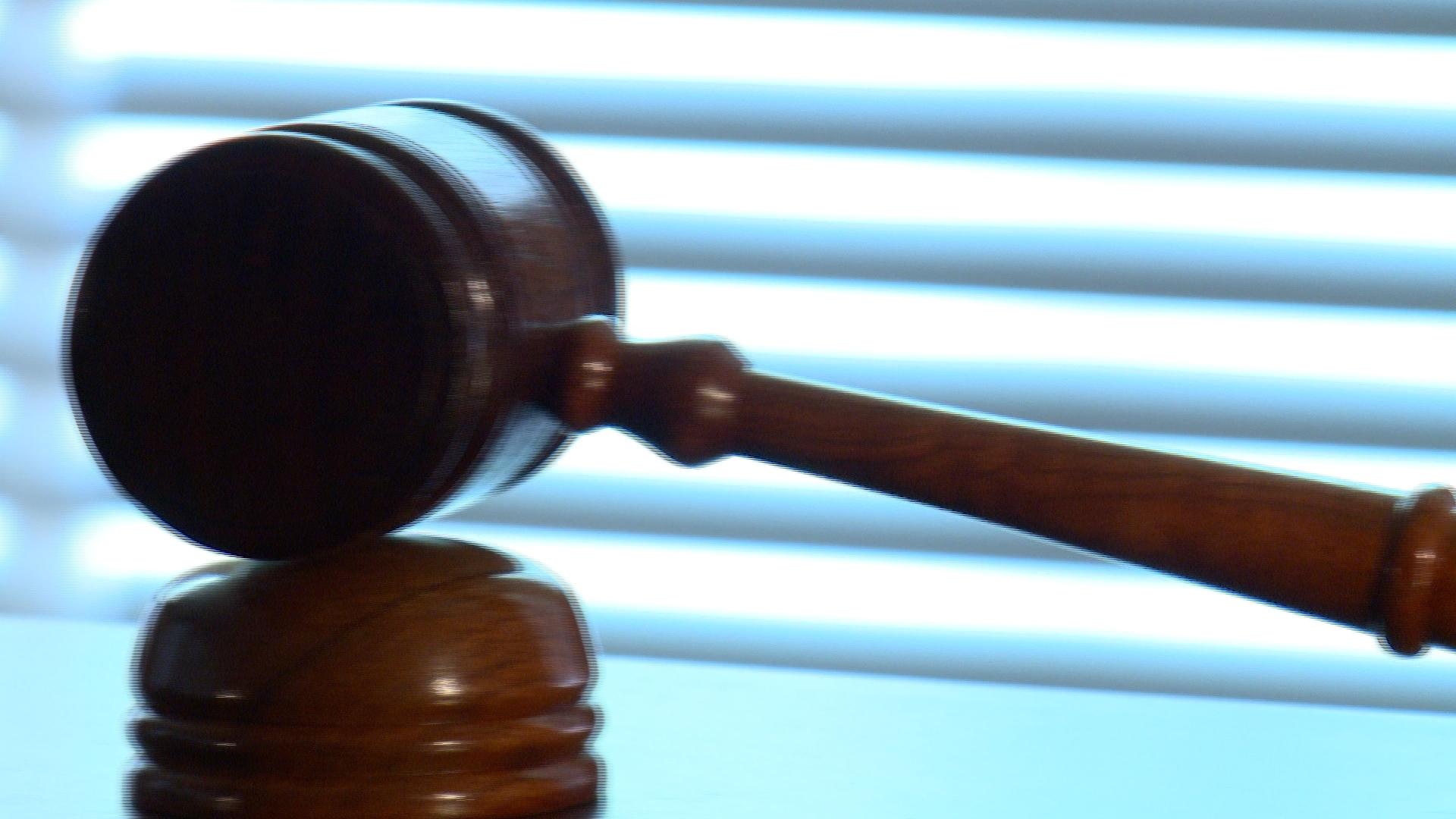 judge gavel_269573