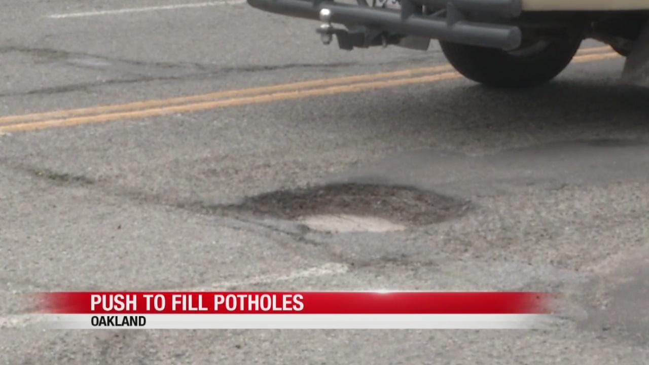 Potholes_common_on_Oakland_roads__mayor__0_20190404054300-846653543