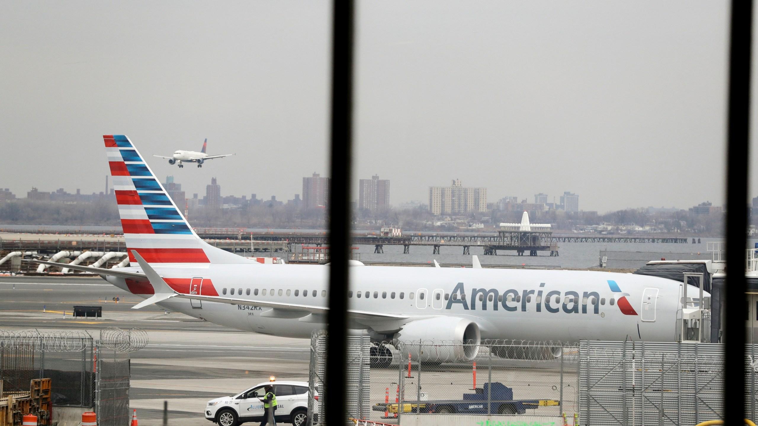 Boeing_American_Airlines_94123-159532.jpg91733557
