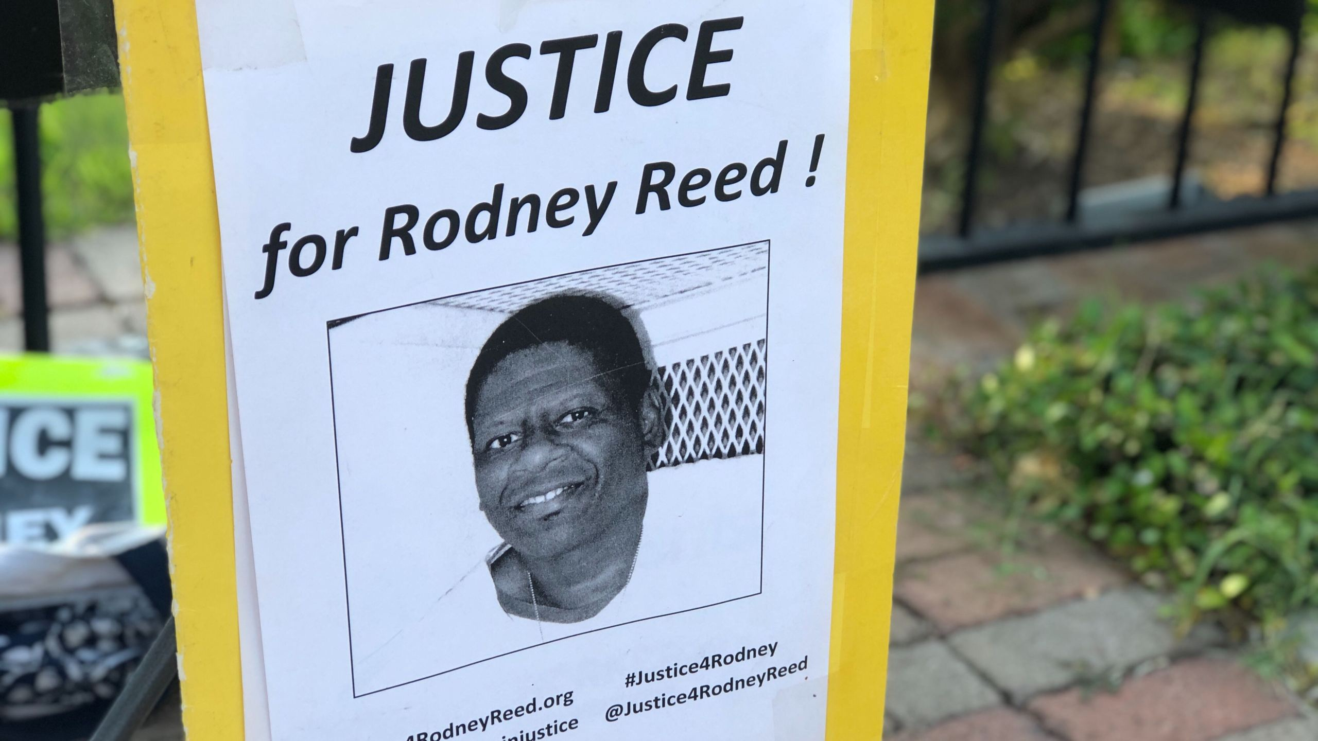 Family Of Death Row Inmate Rodney Reed Rallies At Governor S Mansion Kxan Austin