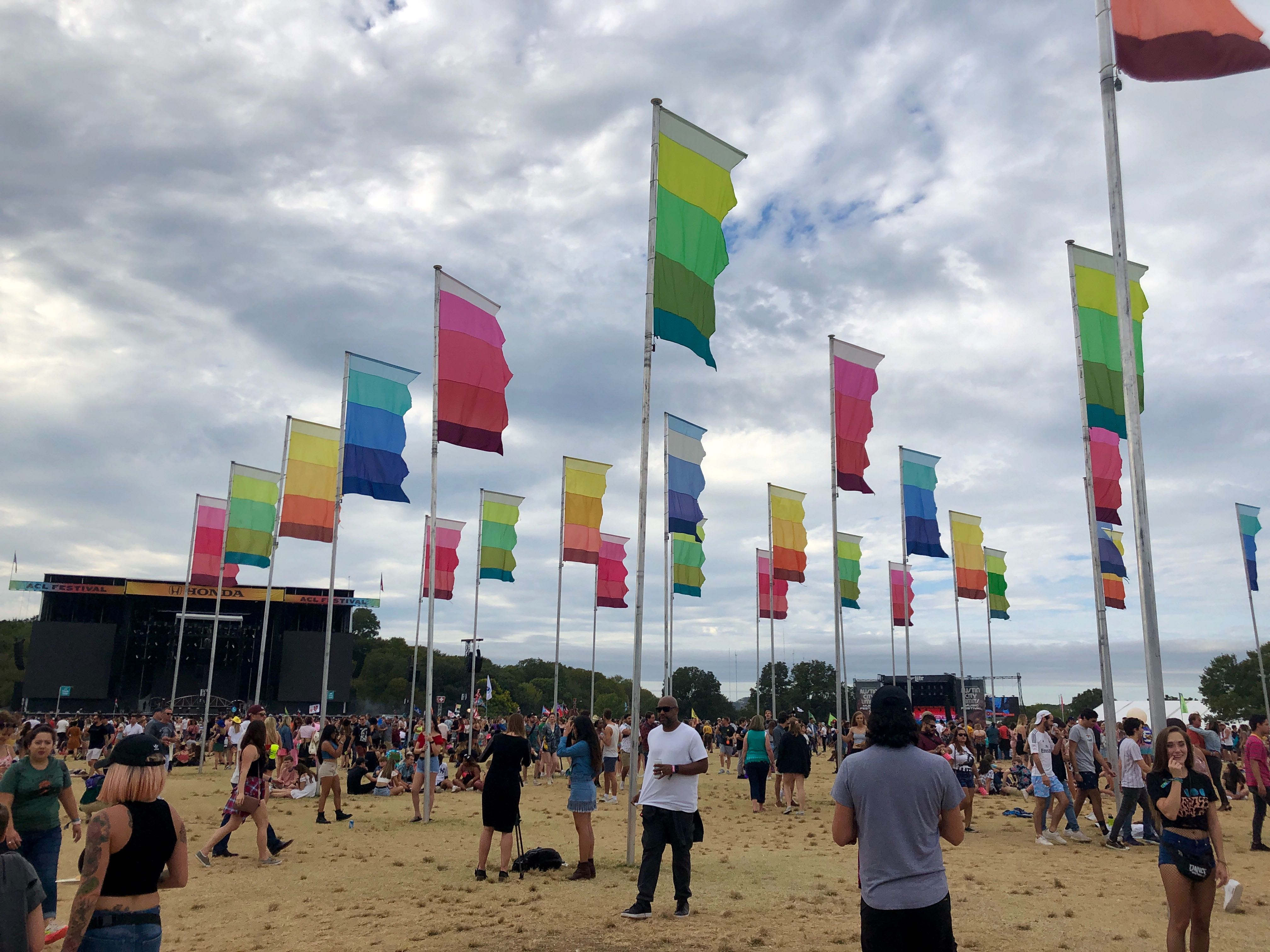 The crowds at Weekend 2 of ACL 2019 (KXAN Photo/Emily Martin)