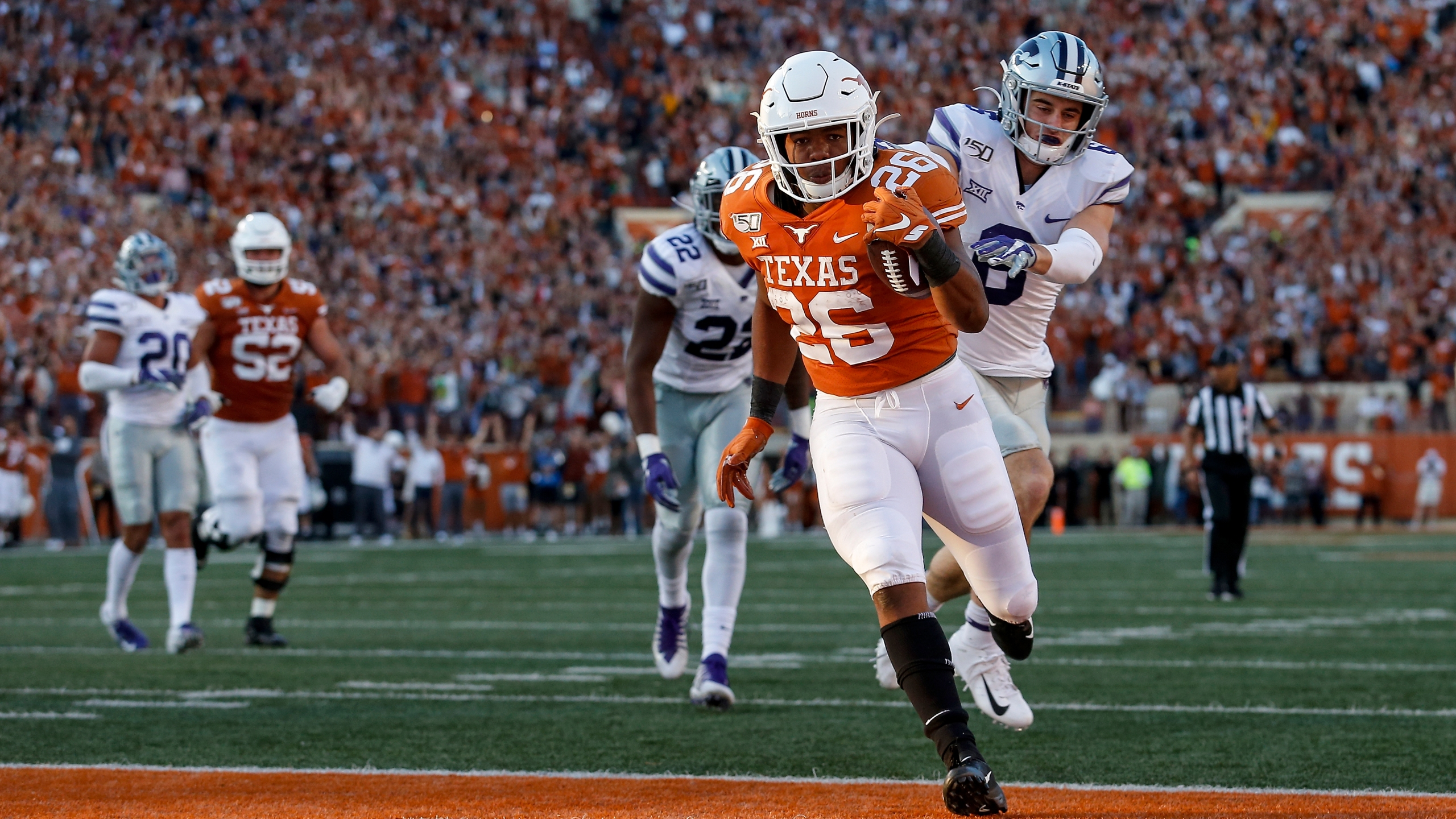 Bowl Projections Texas Pegged With Marquee Opponents Kxan Com