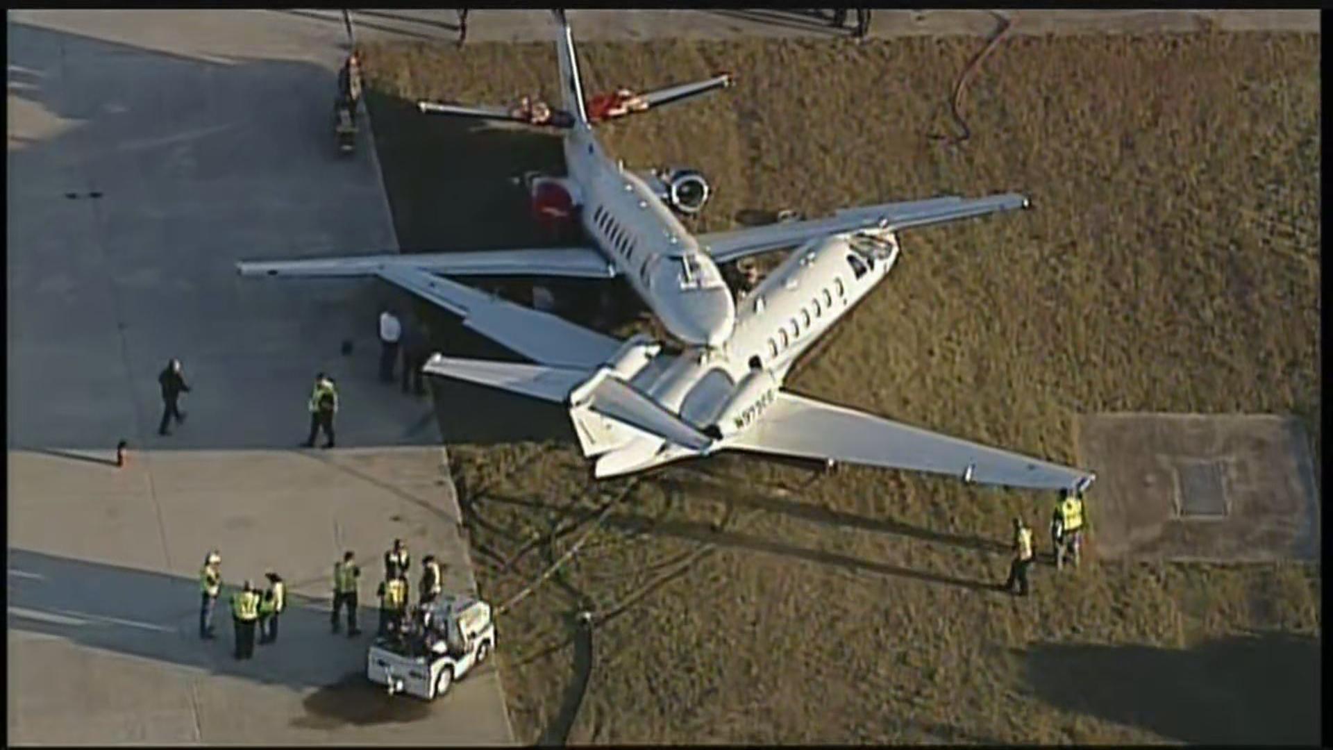 SAN ANTONIO AIRPORT PLANE CRASH_frame_35693