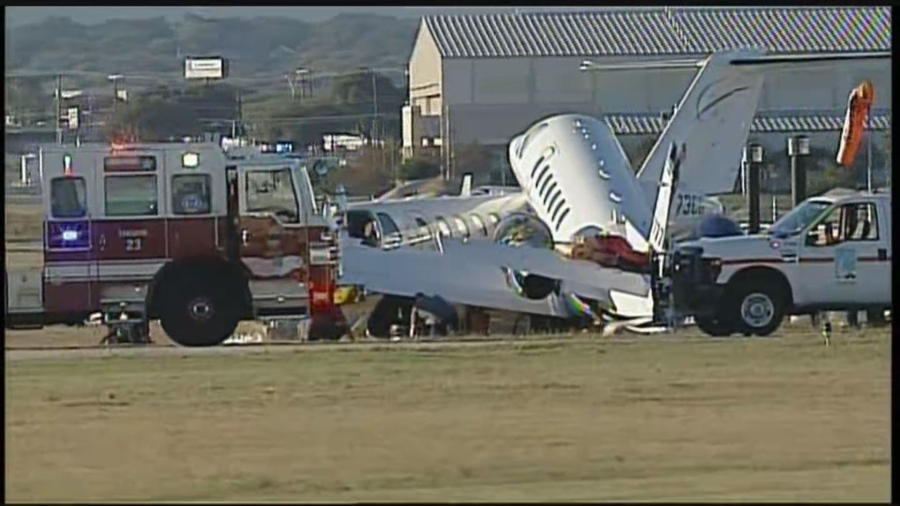 san antonio airport plane crash