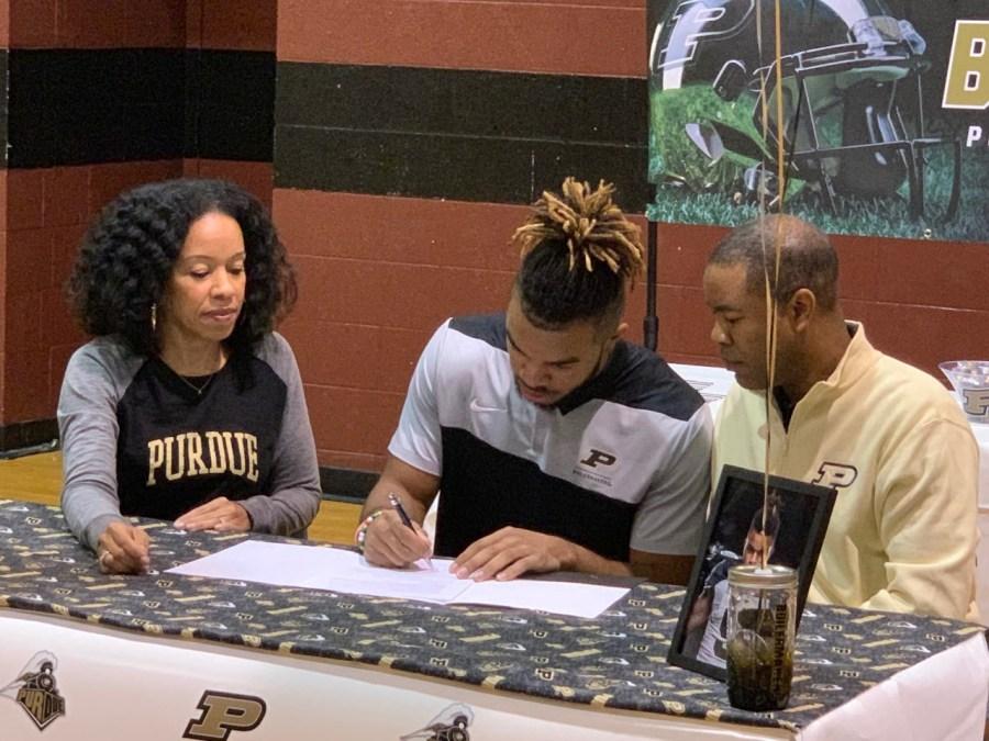 Collin Sullivan signs with Purdue
