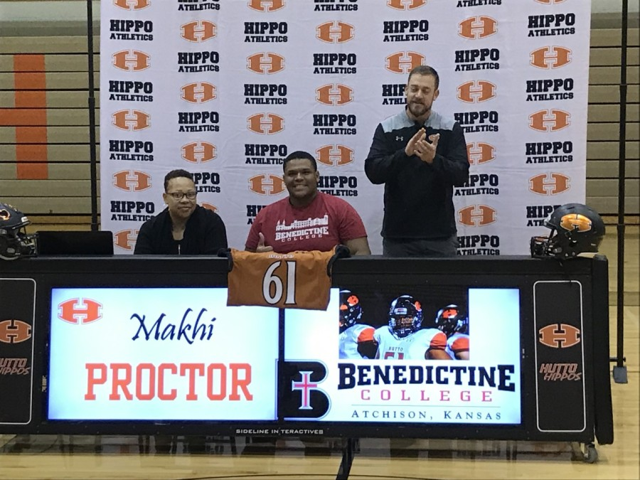 Makhi Proctor signs with Benedictine College