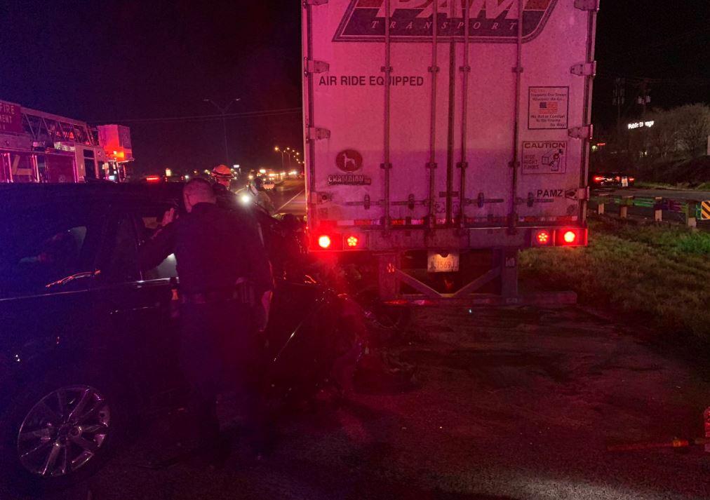 car 18 wheeler accident IH35 12-7-19