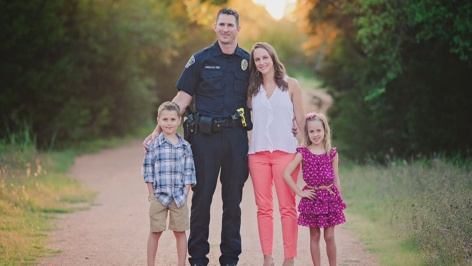 apd officer hancock and his family 11620